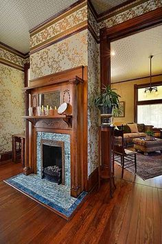 Looks a lot like the original fireplace in our house. 1897 – 712 W St, Austin, TX 78701 Herblin Shoe/Merritt House national & local historical designations. Victorian Interiors, Victorian Design, Victorian Homes, Victorian Decor, Victorian Farmhouse, Victorian Architecture, House Interiors, Beautiful Architecture, Farmhouse Fireplace Mantels