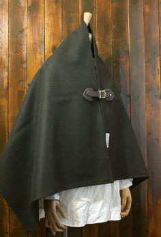 オリーブ色 メルトンポンチョ 濃茶牛革ベルト×真鍮バックル