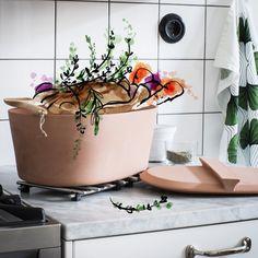 Puoi usare questa casseruola di terracotta sia per cucinare che per servire un pasto completo. #ANVÄNDBAR