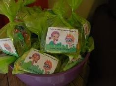 bubble guppies birthday party ideas - goldfish or Swedish fish in the bag