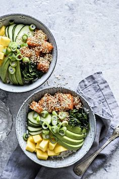 Poke bowl med soyamarineret laks Healthy Diet Recipes, Vegetarian Recipes, Healthy Eating, Food Crush, Poke Bowl, Greens Recipe, Soul Food, Food Inspiration, Dinner Recipes