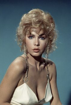 Stella Stevens, publicity photo for The Poseidon Adventure, 1972 - Movie Hollywood Stars, Hollywood Glamour, Hollywood Actresses, Classic Actresses, Beautiful Actresses, Vintage Hollywood, Classic Hollywood, The Poseidon Adventure, Stella Stevens