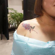 Multicolored Lilac Tattoo by tattooist_sodam Henna Tattoo Hand, Lila Tattoo, Tattoo Motive, Diskrete Tattoos, Badass Tattoos, Cute Tattoos, Beautiful Tattoos, Sleeve Tattoos, Tatoos