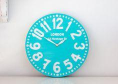 Vintage clock London turquoise pseudo par DesignAtelierArticle, €40,00