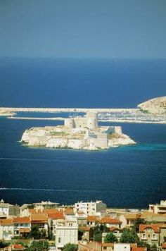 Wineries and Castles to visit in Marseille