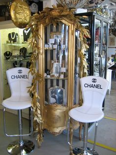 Chanel chairs and a gorgeous baroque gilt/gold glass fronted cabinet Chanel Black, Coco Chanel, French Fashion Designers, Luxe Life, Vintage Bottles, Only Fashion, Classy And Fabulous, Designing Women, Vignettes
