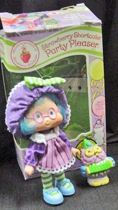 Season 3 of Strawberry Shortcake's Berry Bitty Adventures airs on February 23rd on The Hub Network! Description from pinterest.com. I searched for this on bing.com/images Strawberry Shortcake Characters, Vintage Strawberry Shortcake Dolls, Sweet Memories, Childhood Memories, 90s Childhood, Nostalgia, Rainbow Brite, 80s Kids, Old Toys