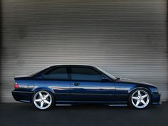 BMW E36 coupe in blue