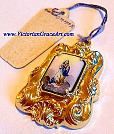 Vintage German Handpainted Enamel Pendant Virgin Mary (Image1)