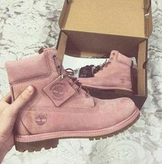 Imagem de shoes, pink, and timberland Heeled Boots, Bootie Boots, Shoe Boots, Shoes Sandals, Shoes Sneakers, Tims Boots, Timberland Boots Style, Timberland Sneakers, Girls Shoes