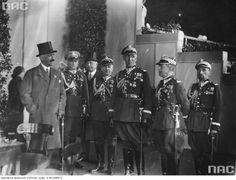 Międzynarodowe Zawody Hippiczne na hipodromie w Łazienkach Królewskich w Warszawie (1933). Tu Orlicz-Dreszer (3. z prawej) z Januszem Radziwiłłem (1. z prawej)