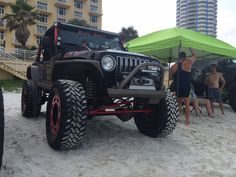 We spotted #BlackBooty on the #beach looking for some loot at #JeepBeach. #Jeep #JeepLife #JeepLove #itsaJEEPthing #MORE #JeepMore #MountainOffRoad