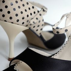 Argentine Tango Shoes from NeoTango shoes. Leather shoes. Black satin, cream and black polka dot, Cream stiletto. Sizes 4 (34), Size 5 (35), Size 6 (36), Size 7 (37), Size 8 (38), Size 9 (39), Size 10 (40), Size 11 (41)