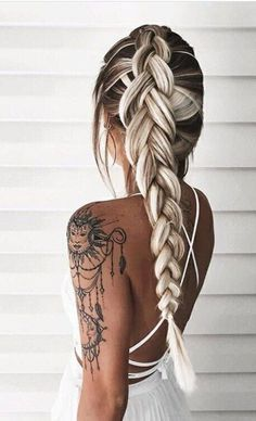 Cutest and Most Beautiful Homecoming Hairstyles Hair & Beauty Fishtail Hairstyles, Pretty Hairstyles, Hairstyle Ideas, Perfect Hairstyle, Amazing Hairstyles, Style Hairstyle, Unique Hairstyles, Homecoming Hairstyles, Hairstyles 2018