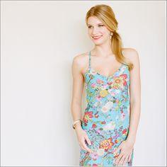 Cami Dress. Knee Length. Darling Jardin Bleu. - Plum Pretty Sugar. Size small