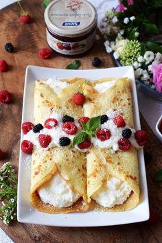 Naleśniki Rafaello Waffle Recipes, Cake Recipes, Snack Recipes, Dessert Recipes, Cooking Recipes, I Love Food, Good Food, Yummy Food, Helathy Food