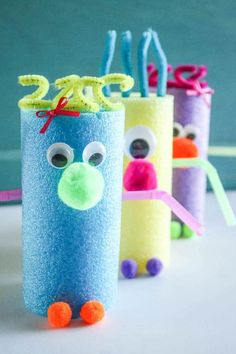 With summer soon over, help yourself to these summer crafts for kids and give your little rascals a fun and creative time before school starts. Summer Crafts For Kids, Crafts For Kids To Make, Fun Crafts For Kids, Easy Crafts, Art For Kids, Summer Kids, Craft Activities, Preschool Crafts, Infant Activities