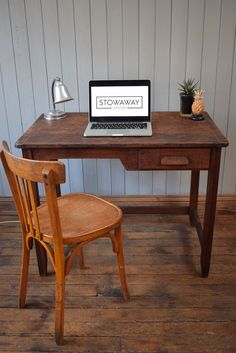 Vintage Mid Century Wooden Oak Desk With Drawer & Pull Out Top - Industrial