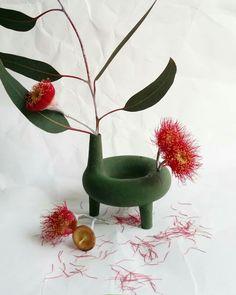 7 Happy Cool Tricks: White Vases With Flowers copper vases woods.Vases Diy Wedding white vases with flowers. Clay Vase, Ceramic Vase, Vase Centerpieces, Vases Decor, Pottery Vase, Ceramic Pottery, Flower Vases, Flower Pots, Vase Design
