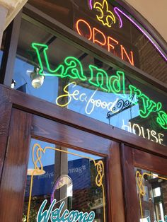 Landry's Seafood, New Orleans French Quarter