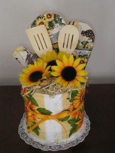 Kitchen utensils gift basket towel cakes 16 ideas for 2019 Dish Towel Cakes, Kitchen Towel Cakes, Kitchen Towels, Sunflower Kitchen Decor, Diy Kitchen Decor, Home Decor, Kitchen Themes, Sunflower Decorations, Bridal Shower Centerpieces