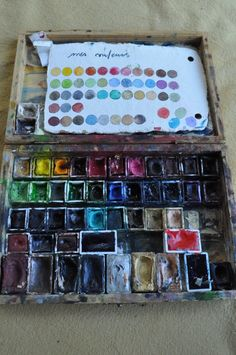 Messy, vintage and simply beautiful watercolor set!
