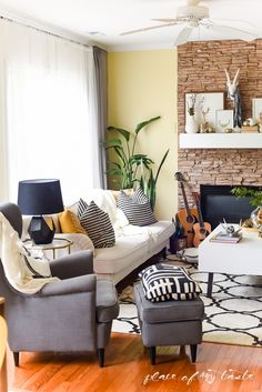 BLOGGER STYLIN' HOME TOURS FALL 2015 - Place of My Taste