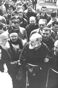 fotos del Padre Pío «Padre Pío de Pietrelcina Padre Pío de Pietrelcina
