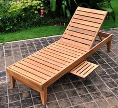 Deluxe Teak Chaise Lounge with Tray (Lounge), Brown, Patio Furniture (Steel)