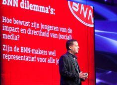 Welke keuzes en overwegingen heeft BNN-baas Marc Adriani gemaakt bij de totstandkoming van de nieuwe BNN-serie De School? Mediawijzer.net sprak met Adriani over de rol die mediamakers hebben in de huidige mediamaatschappij. 16-07-2013
