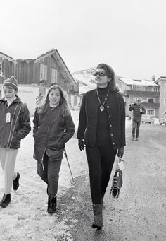 kennedywomen:  Jackie and Caroline Kennedy
