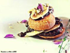 γλυκό σάντουιτς με κρέμα χαρουπιού