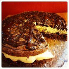 Edels Mat & Vin: Sjokoladekake med karamellkrem ~ ♥ ~ Food And Drink, Favorite Recipes, Beef, Cookies, Baking, Desserts, Sweets, Meat, Crack Crackers