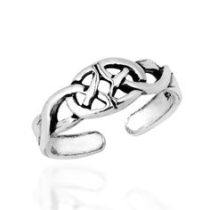 The iconic Celtic Trinity Knot is encapsulated beautifully in this mirrored image sterling silver toe ring. The ring offers an adjustable band for custom fit. Product Features: Worldstock Country: Tha
