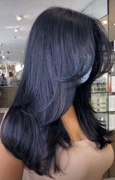 Haircuts Straight Hair, Haircuts For Medium Hair, Bangs With Medium Hair, Long Hair Cuts, Medium Hair Styles, Curly Hair Styles, Dark Hair Bangs, Medium Dark Hair, Haircuts For Long Hair With Layers
