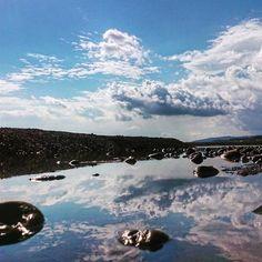 【shinm531】さんのInstagramをピンしています。 《たった今、この海岸でハチに追い回されて猛ダッシュしてきました(笑) . #宮崎 #美々津 #miyazaki #海 #sea #雲 #空 #写真撮ってる人と繋がりたい #写真好きな人と繋がりたい #ポンコツ写真部 #IGersJP #phos_japan #リフレクション #スマホ撮影》