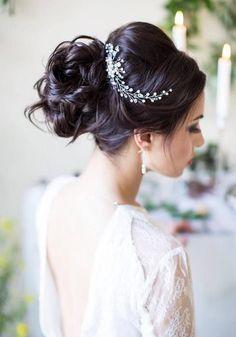 Wedding Hairstyles: Long Wedding Hairstyles & Bridal Updos via Evgeniya Lebedeva / www.himisspuff.co