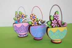 3-D stenciled cookie basket, Julia M Usher, www.juliausher.com