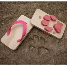 These look like fun! Leave animal footprints at the beach with these flip-flops.