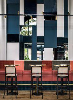 Парижский бар в Амстердаме