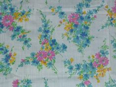 """Vtg Mid Century Cotton Fabric Pink turquoise flowers Daisies on Pale Aqua 40""""x56"""