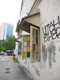 Outside Restaurant Yut Kee at Jalan Dang Wangi