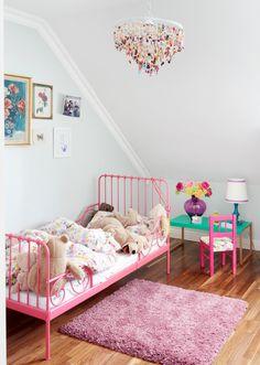 Дизайн детской комнаты для девочек: 100 фото воплощений розовой мечты http://happymodern.ru/detskie-komnaty-dlya-devochek-70-foto-voploshhenij-rozovoj-mechty/ komnata_devochki_075