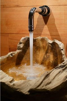 Absolutely inLove with this sink!!! Creative teak wood sink design