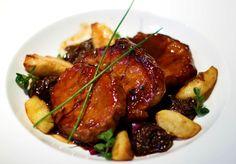 wedding buffet menu: Spiced pork with prunes, apples and sauce