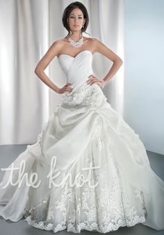 2014 Niedlich Sweetheart Appliques Lace Organza Ruched Ball Gown Style Wedding Dress Bridal Gown Custom Made Demetrios 4313 Wedding Dresses Photos, Wedding Dress Styles, Bridal Dresses, Wedding Gowns, Bridesmaid Dresses, Lace Wedding, Dream Wedding, Ball Dresses, Ball Gowns