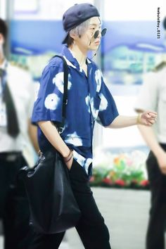 gotta love his fashion sense Winner Kpop, Mino Winner, Who Is Next, Beautiful One, Boys, Outfits, Idol, Women, San