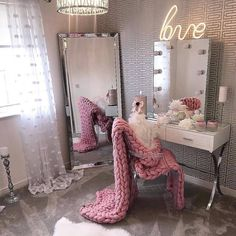 24 Ideas Makeup Table Ideas Beauty Room Vanity Mirrors For 2019 Girls Bedroom, Bedroom Decor, Bedrooms, Bedroom Ideas, Bedroom Furniture, Dressing Room Decor, Dressing Tables, Dressing Table Mirror, Dressing Table With Lights
