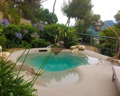 Pool Szaki, a gondtalan medencézés élménye! Beach Entry Pool, Backyard Beach, Backyard Pool Designs, Small Backyard Pools, Small Pools, Swimming Pools Backyard, Swimming Pool Designs, Backyard Landscaping, Zero Entry Pool