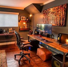 8 Cheap Things to Maximize a Small Bedroom . Home Studio Setup, Home Office Setup, Studio Room, Home Office Space, Home Office Design, House Design, Small Game Rooms, Home Music Rooms, Gaming Room Setup